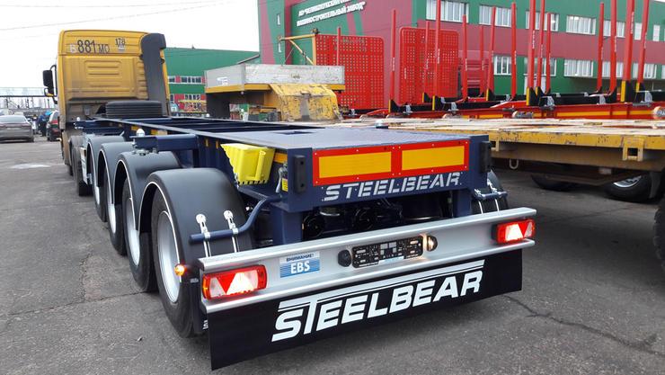 4-осные полуприцепы-контейнеровозы STEELBEAR три года на рынке: универсальные или под груз наливной – выбирай себе любой!